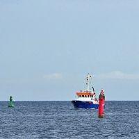 Navigating Between Channel marker buoys
