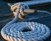 How to tie up a boat
